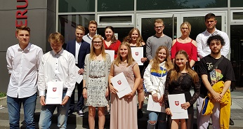 142 Schülerinnen und Schüler haben ihre Chance genutzt: Abitur, Fachhochschulreife und Mittlerer Schulabschluss